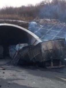 晋济高速岩后隧道燃爆事故共造成31人死亡